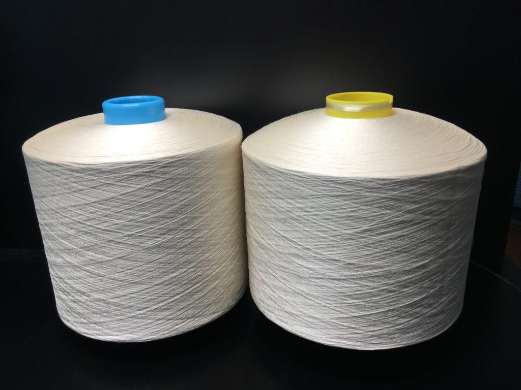 FotoIl crespo di rayon viscosa è un filato con forte torsione, che a secondo del titolo,  può variare da 1100 torsioni a 2400 torsioni ed oltre.